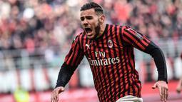 2. Theo Hernandez - Hernandez menjadi motor dan andalan sebagai bek sayap AC Milan pada musim ini. Pemain berusaia 23 tahun ini memiliki kelebihan dalam menerobos lini pertahan lawan dan menjadi bek sayap berprospek cerah saat ini. (AFP/Marco Bertorello)