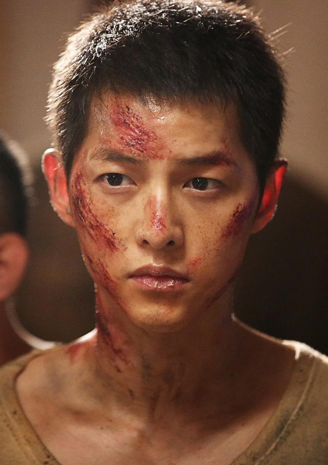 Song Joong Ki dalam The Battleship Island. (CJ Entertainment)