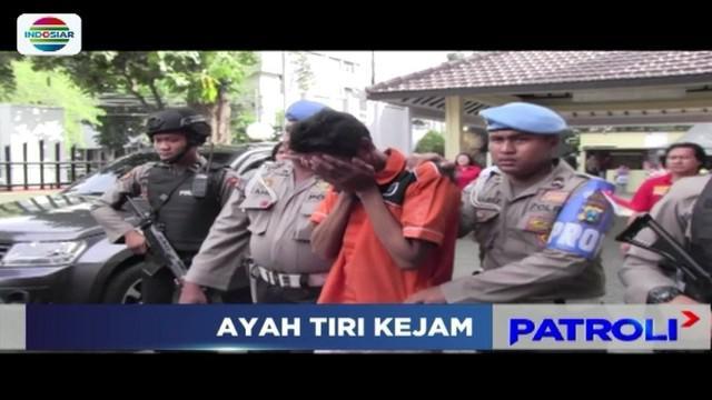 Seorang ayah di Surabaya tega menganiaya anak tirinya sendiri hingga tewas. Ia nekat melakukan penganiayaan, karena kesal dengan anak tirinya yang terus menangis saat pelaku sedang tidur.