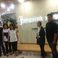 Berikut pop-up store Fashionlink x Blckvnue dengan konsep baru hadirkan koleksi terbaik desainer lokal tanah air.