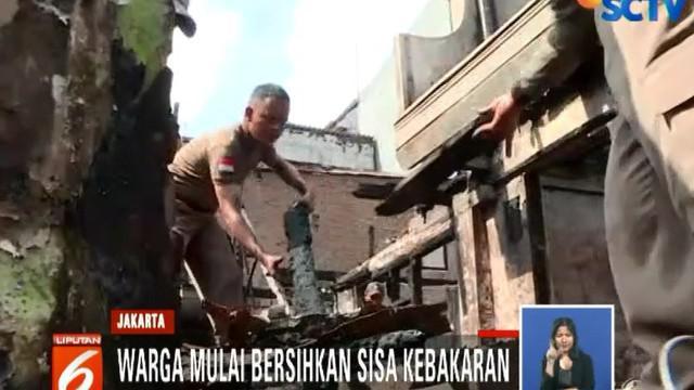 Kebakaran yang diduga akibat kelalaian dalam menyalakan kompor tersebut menghanguskan 30 rumah warga dan berdampak di empat RT.