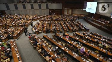 Suasana berlangsungnya Rapat Paripurna pembukaan Masa Sidangan II 2019-2020 di Kompleks Parlemen, Senayan, Jakarta, Senin (13/1/2020). Setidaknya 290 anggota DPR tak hadir dalam rapat paripurna dengan agenda pidato pembukaan Masa Sidang II tahun 2019-2020 tersebut. (Liputan6.com/Johan Tallo)