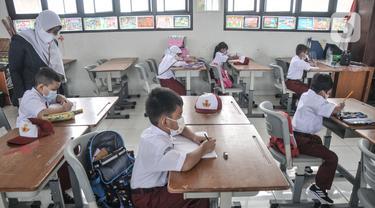 Antusiasme Murid Kelas 1 SD Ikuti Pembelajaran Tatap Muka