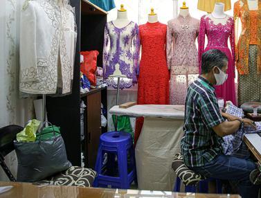 FOTO: Jasa Jahit Pakaian Jelang Lebaran Lesu