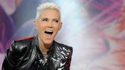 Penampilan vokalis grup band Roxette Marie Fredriksson saat konser di Oberursel, Jerman, 12 Juni 2011. Marie Fredriksson meninggal pada usia 61 tahun akibat penyakit kanker otak. (Boris Roessler/dpa/AFP)