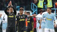 Pemain Juventus dan SPAL sesuai bertanding di Paolo-Mazza stadium, Ferrara, Sabtu (13/4/2019). (AFP/Isabella Bonotto)