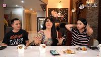 Lucinta Luna saat diwawancara Ussy SulistiawatydanAndhika Pratama.