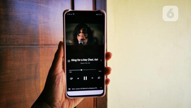 Tampilan YouTube Music ketika memutar video. Liputan6.com/Mochamad Wahyu Hidayat