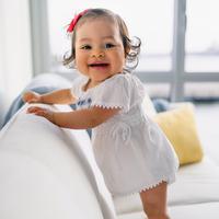 ilustrasi bayi tersenyum/Photo by Juan Encalada on Unsplash