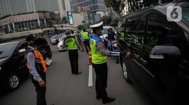 Menengok Pengawasan Pelaksanaan PSBB di Bundaran HI Jakarta