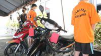 Maling sepeda motor ditangkap gara-gara kehabisan bensin, di Kebumen. (Foto: Liputan6.com/Humas Polres Kebumen)