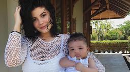Si bungsu dari keluarga Kardashian sendiri mengaku bahwa ia dan Stormi akan ikut dalam Astroworld Tour. (instagram/kyliejenner)