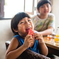 ilustrasi anak makan sehat/copyright Rawpixel