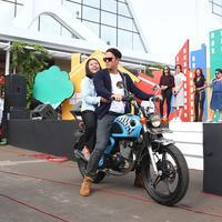 Mischa Chandrawinata dalam acara Meet and Greet Anak Langit. (Nurwahyunan/Bintang.com)