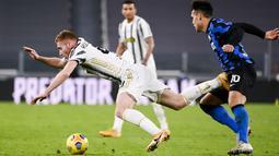 Martinez pada pertandingan leg kedua babak semifinal Coppa Italia di Turin Allianz Stadium, Italia, Rabu (10/2/2021). Meski imbang, Juventus unggul agregat gol (2-1) dari leg satu. (Marco Alpozzi/LaPresse via AP)