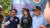 Karenina Sunny bersama dengan Ketua Umum SCI Ifan Kesuma dan Bupati Kepulauan Seribu Husein Murad