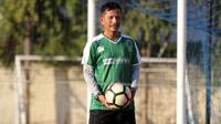 Pelatih Persebaya, Djadjang Nurdjaman. (Bola.com/Aditya Wany)
