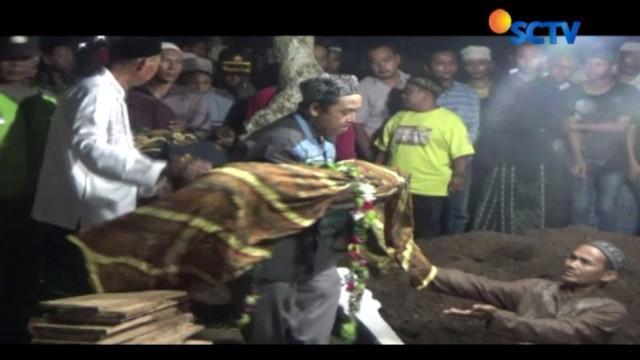 Kondisi ibu pemberi racun pada tiga anak kandungnya yang dirawat di RSUD Jombang, Jawa Timur, berangsur membaik.