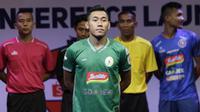 Pemain PSS Sleman berpose saat Peluncuran Shopee Liga 1 di SCTV Tower, Jakarta, Senin (13/5). Sebanyak 18 klub akan bertanding pada Liga 1 mulai tanggal 15 Mei. (Bola.com/Vitalis Yogi Trisna)