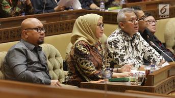 DPR Ingatkan Potensi Kekacauan Pilkada Jika Pemilu Digelar April 2024