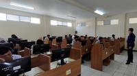 Kementerian Pendidikan dan Kebudayaan melalui Direktorat Sekolah Menengah Kejuruan (DSMK) telah membuka peluang bagi SMK di seluruh Indonesia untuk memperoleh bantuan sertifikasi internasional melalui program SMK English Challenge 2020. Foto: Kemendikbud.