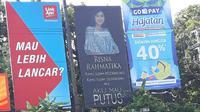 Baliho pengumuman putusnya hubungan asmara dengan sang pacar yang dipasang di pertigaan Kaliwiru Semarang. (foto: Liputan6.com / twitter / edhie prayitno ige)