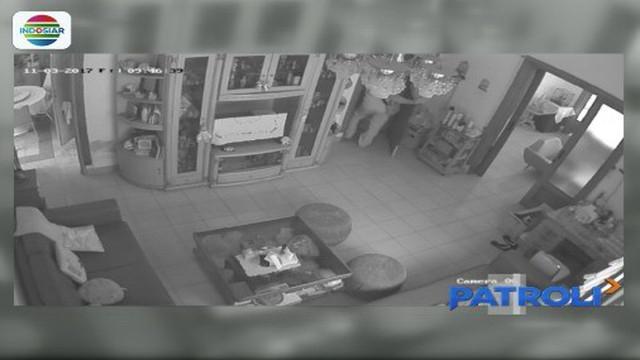 Berpura-pura sebagai petugas pencatat meteran air PDAM, para komplotan pencuri beraksi di rumah korban sasarannya. Polisi menghentikan aksi para pelaku dengan menangkap sebagian anggota komplotan.