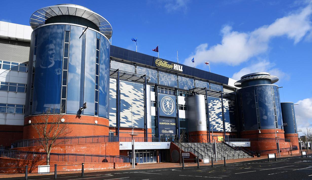 Stadion Hampden Park terletak di Glasgow, Skotlandia. Stadion ini merupakan kandang dari Tim Nasional Skotlandia serta Tim Queen's Park FC dan mampu menampung 51 ribu, tak heran jika stadion ini sering digunakan sebagi tuan rumah sepak bola internasional. (Foto: AFP/Andy Buchanan)