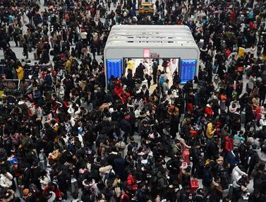 Libur Imlek Usai, Jutaan Warga China Bersiap Kembali Bekerja