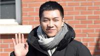 Lee Seung Gi yang melakukan wajib militer diantar dengan ratusan fans. Seperti apa ceritanya?