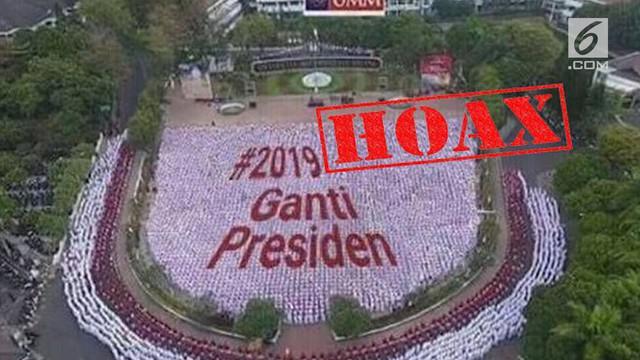 """Menjelang tahun politik, berbagai macam hoaks terkait pemilu merajalela. Termasuk foto papermob karya mahasiswa baru Universitas Muhammadiyah Malang, yang """"disulap"""" pembuat hoaks menjadi #2019GantiPresiden."""