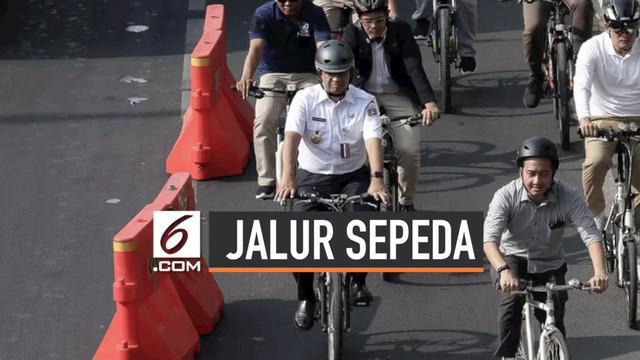 Pemerintah Provinsi DKI Jakarta mulai menggagas gerakan Jakarta Ramah Bersepeda. Untuk itu akan dibangun 63 kilometer jalur sepeda dalam tiga fase.