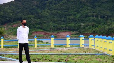 Presiden Joko Widodo atau Jokowi meresmikan Bendungan Napun Gete di Kabupaten Sikka, NTT, Selasa (23/2/2021)