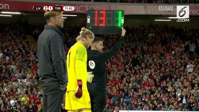 Loris Karius mendapat sambutan yang meriah kala masuk sebagai pemain pengganti di laga kontra Torino di Stadion Anfield. Akhir-akhir ini Karius mendapatkan banyak sorotan terkait beberapa blundernya di atas lapangan. Laga ini dimenangi Liverpool deng...