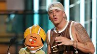 Eminem sempat mencoba untuk bunuh diri dengan mengonsumsi Tylenol usai mantan kekasihnya Kim Scott mengakhiri hubungan mereka. (Scott Gries / Getty Images North America / AFP)