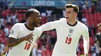 Penyerang Inggris, Raheem Sterling, melakukan selebrasi usai mencetak gol ke gawang Kroasia pada laga Piala Eropa 2020 di Stadion Wembley, Minggu (13/6/2021). (Glyn Kirk/Pool Photo via AP)