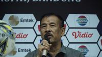 Manajer Persib Umuh Muchtar siap laporkan kepemimpinan wasit yang memimpin laga antara Persib vs Tira-Persikabo. (Huyogo Simbolon)