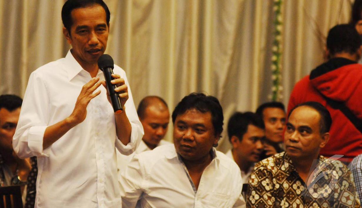 Capres Joko Widodo (Jokowi) mengadakan buka bersama dengan 14 organisasi relawan (Liputan6.com/Herman Zakharia)