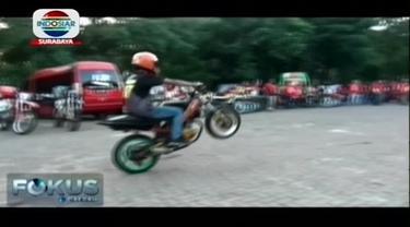 Penggemar olahraga ekstrim freestyle motor semakin banyak di Indonesia.