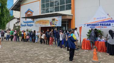 Operasi pasar daging Perum Bulog di Rumah Pangan Kita Center Gatot Subroto