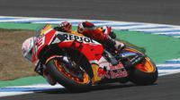 Pembalap Repsol Honda Marc Marquez dalam balapan MotoGP Spanyol di Sirkuit Jerez, Minggu (19/7/2020).(AP Photo/David Clares)