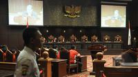 Suasana Sidang Pengujian Undang-Undang Nomor 39 Tahun 2004 tentang Penempatan dan Perlindungan Tenaga Kerja Indonesia di Luar Negeri (UU PPTKILN) di Gedung MK Jakarta, Rabu (18/3/2015).(Liputan6.com/Johan Tallo)