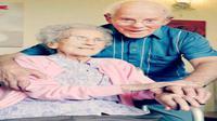Pasangan yang bertemu sejak masa kanak-kanak tengah merayakan ulang tahun pernikahan ke-71.