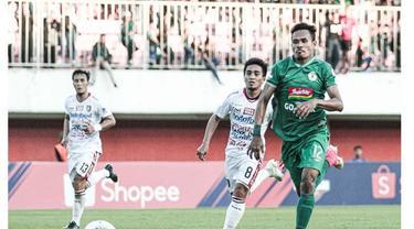 5 Gaya Haris Tuharea di Luar Lapangan, Rekrutan Baru Madura United