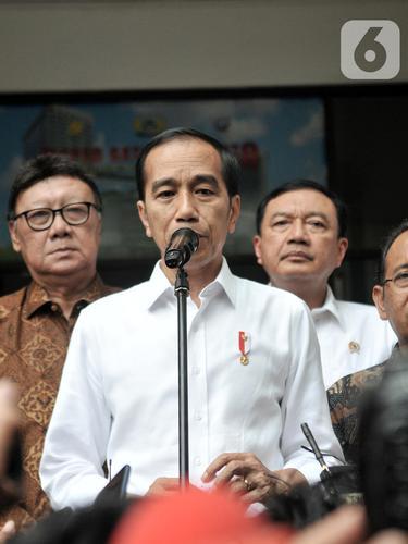 Jokowi Perintahkan Kapolri TNI dan BIN Usut Kasus Penusukan