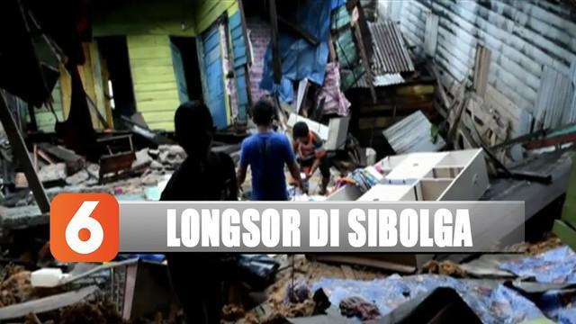 Warga pun berupaya mengevakuasi barang-barang dan perabotan rumah mereka. Warga yang rumahnya rusak parah terpaksa mengungsi.