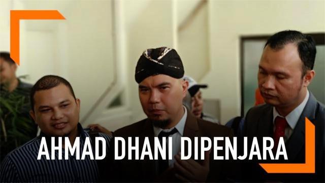 Ahmad Dhani diganjar 1 tahun enam bulan kurungan penjara atas kasus dugaan ujaran kebencian (hate speech) yang dilakukannya. Hukuman tersebut lebih rendah dari tuntutan Jaksa.