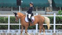 Atlet berkuda cilik, Aleeya Herlambang kembali membuktikan kemampuannya dalam Kejuaraan Equestrian Champions League (ECL) putaran 5 yang baru saja digelar akhir pekan kemarin, Minggu (30/8/2020).