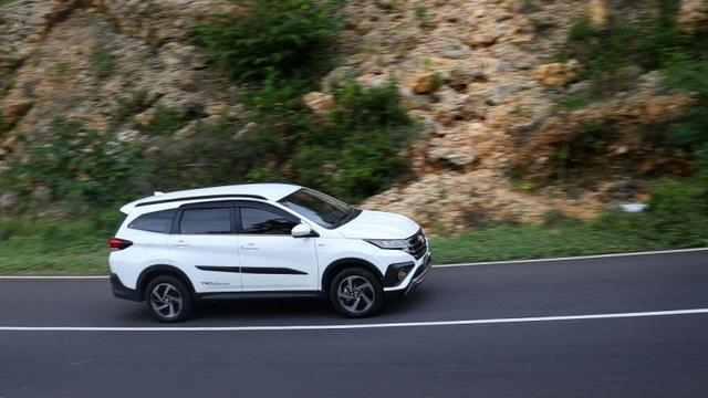 Jajal Toyota Rush Terbaru Bermesin Avanza Bagaimana Rasanya Otomotif Liputan6 Com