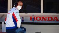 Manajer Tim Repsol Honda, Alberto Puig. (LLUIS GENE / AFP)